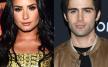 Demi Lovato ve Max Ehrich ayrıldı.