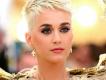 Katy Perry yeni albüm kapaklarını tanıttı.