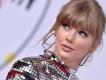 Taylor Swift'in akustik gitarı satışta