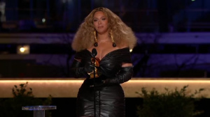 Best R&B Performance Beyonce-Black Parade
