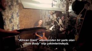 Burna Boy ft. Jorja Smith - Gum Body