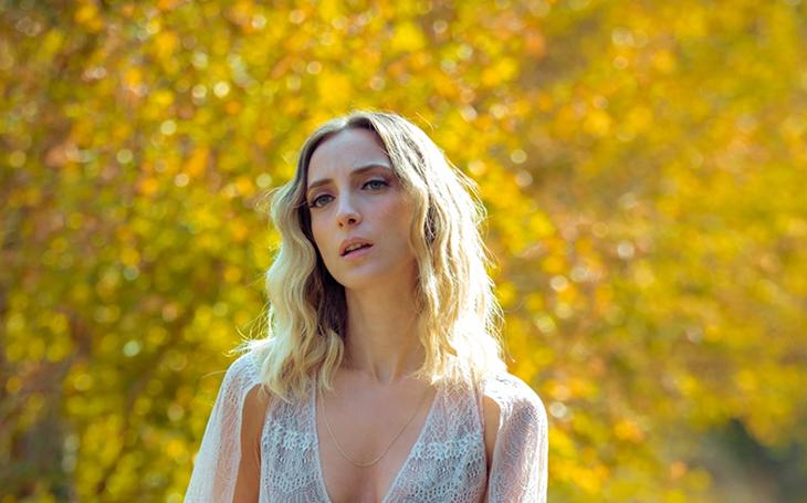 Ceren Gündoğdu, ''Telefon''un video klibini yayınladı.