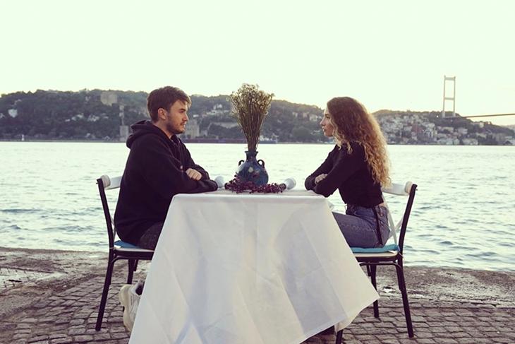 Mustafa Ceceli & Irmak Arıcı 'Gün Ağarmadan'
