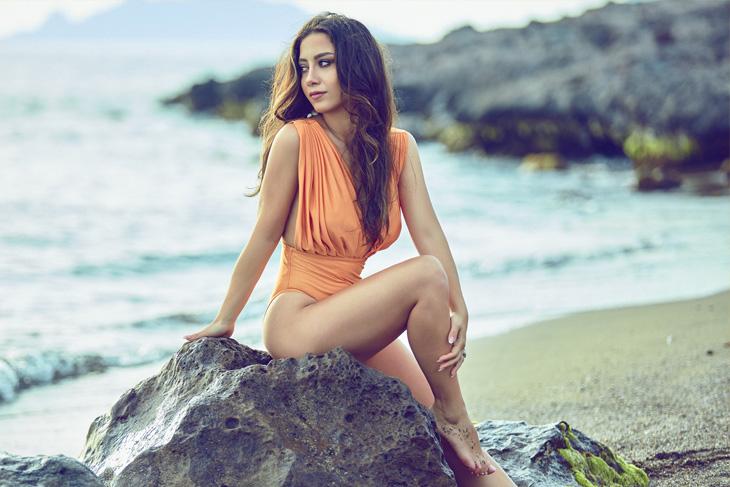 Nihan Akın'dan Yeni Single 'Yaz'