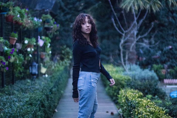 Zeynep Bastık'ın Slow Şarkısı 'Çukur' Dijital Platformlarda!