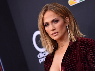 Jennifer Lopez'den hemşirelere davet