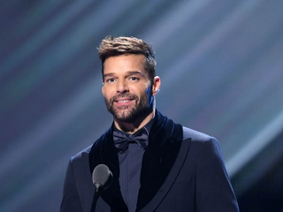 Ricky Martin Puerto Rico'ya dönüyor