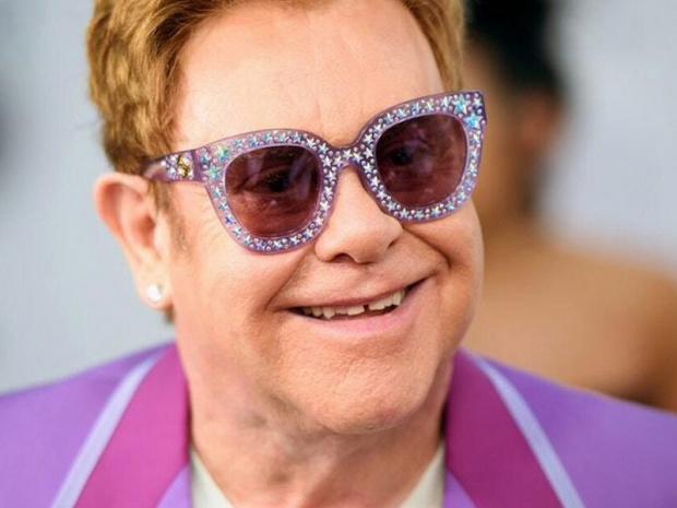 Elton John'dan üzücü haber