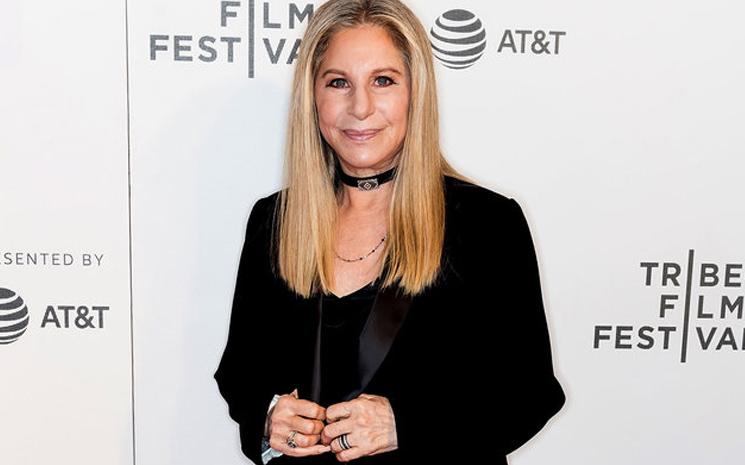 Barbra Streisand yeni arkadaşını paylaştı.