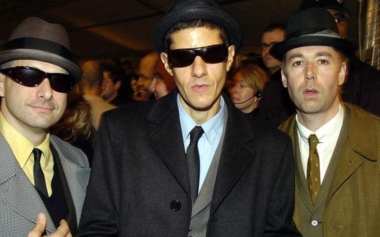 Beastie Boys 12 şarkı yayınladı