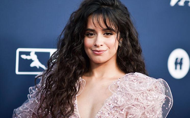Camila Cabello neden aynı anda iki single çıkardığını açıkladı.