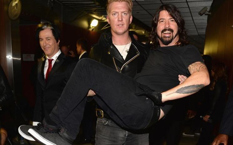Dave Grohl, Billie Eilish'i övmeye devam ediyor