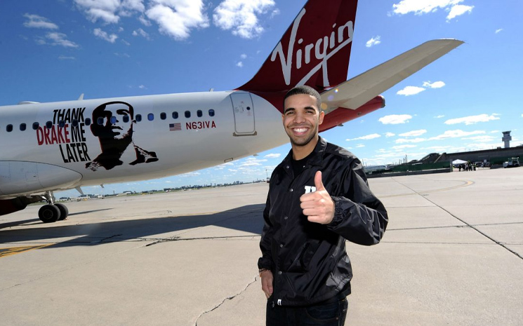 Drake  özel uçağını ödünç verdi!