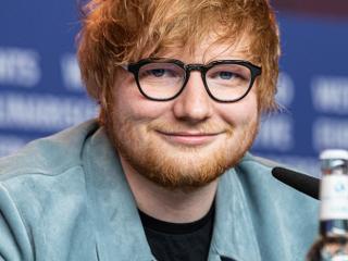 Ed Sheeran'a saçlarını siyaha boyatması söylendi!
