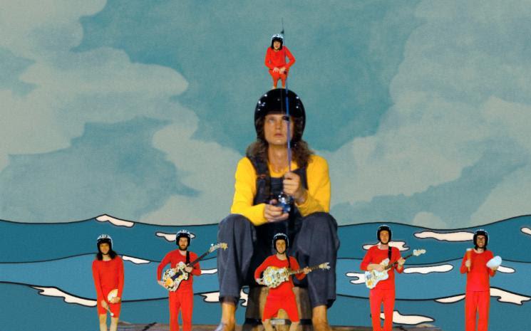 King Gizzard & the Lizard Wizard albümü Fishing For Fishies'le aynı ismi taşıyan şarkısı paylaşıldı.