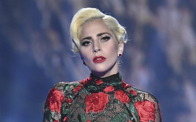 Lady Gaga Las Vegas'taki resitallerine başladı.