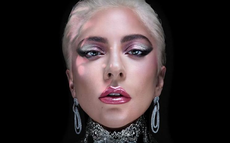 Lady Gaga kendi kozmetik markasını çıkarıyor.