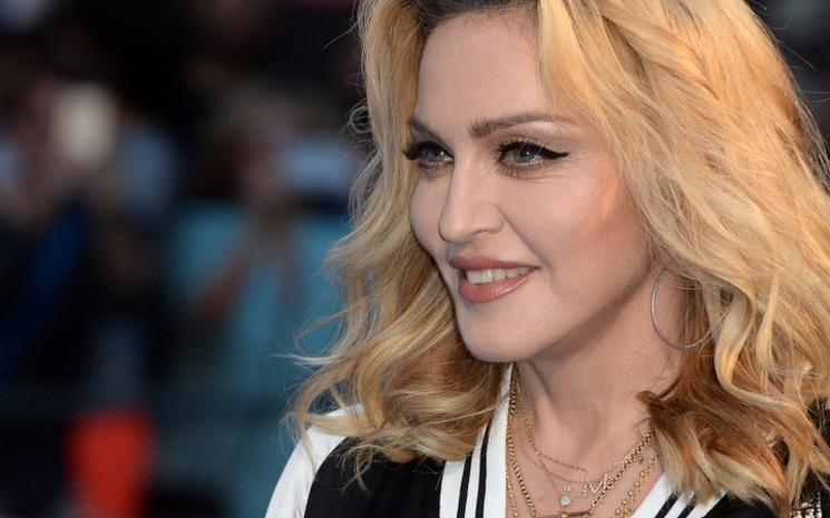 Madonna  otohemoterapiyi deniyor
