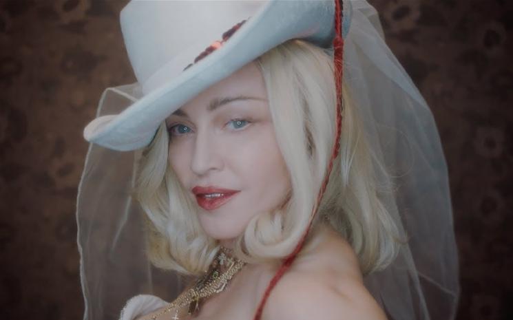 Madonna yeni albümünü Twitterdan duyurdu