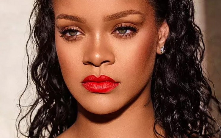 Rihanna kendini moda dünyasında iyi hissediyor.