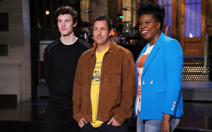Shawn Mendes Cumartesi gecesi Saturday Night Live'ın konuğuydu.
