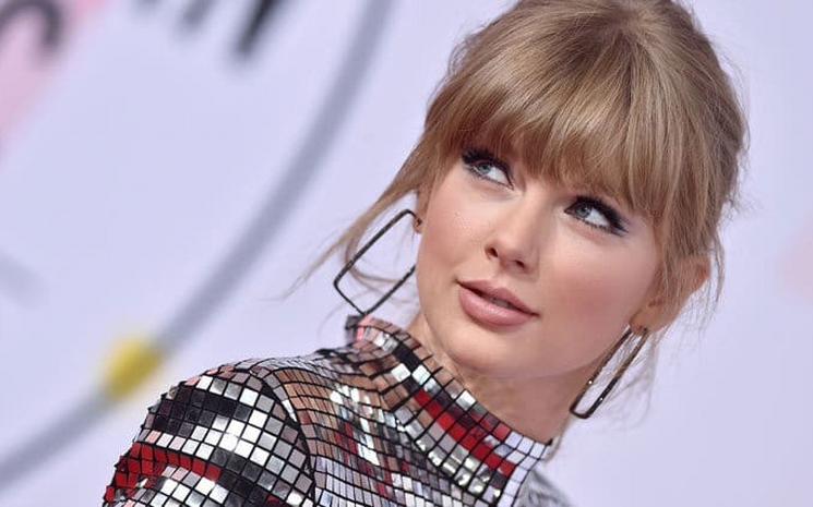 Taylor Swift akustik konseri