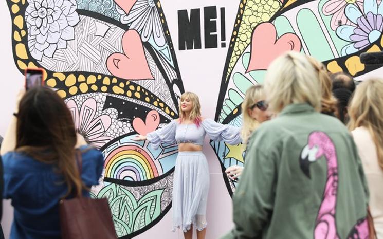 Taylor Swift yeni projesini yayınladı.