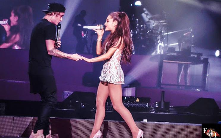Ariana Grande ve Justin Bieber bu hafta 1 numarada!
