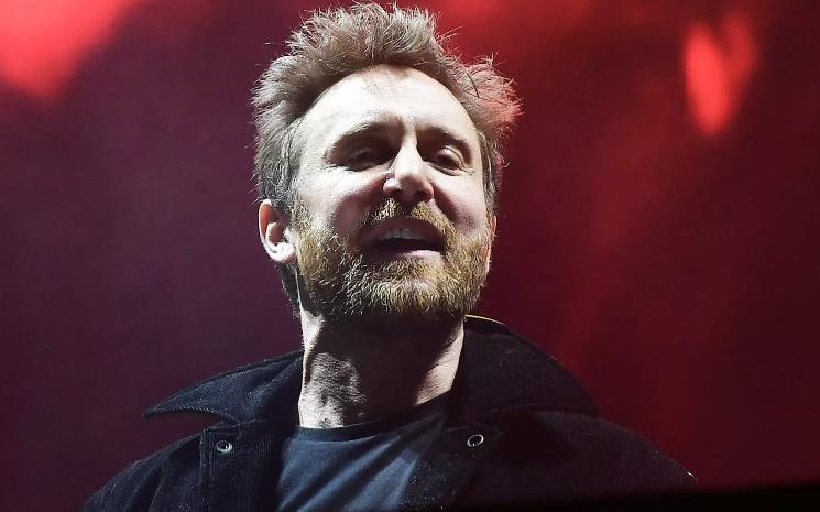David Guetta 7 isimli double albümünü yayınladı.