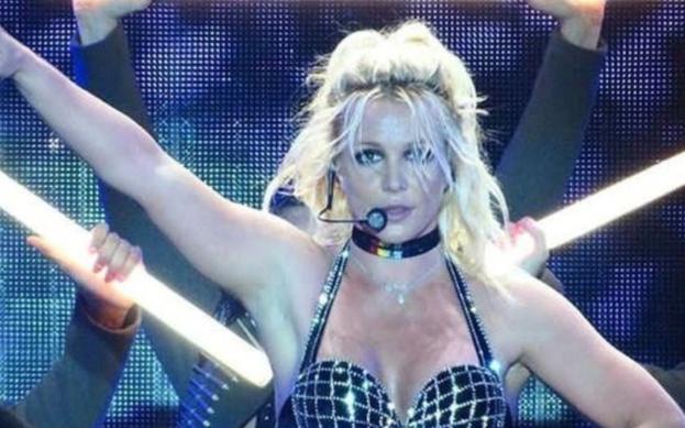Britney Spears konseri sonrası izdiham.