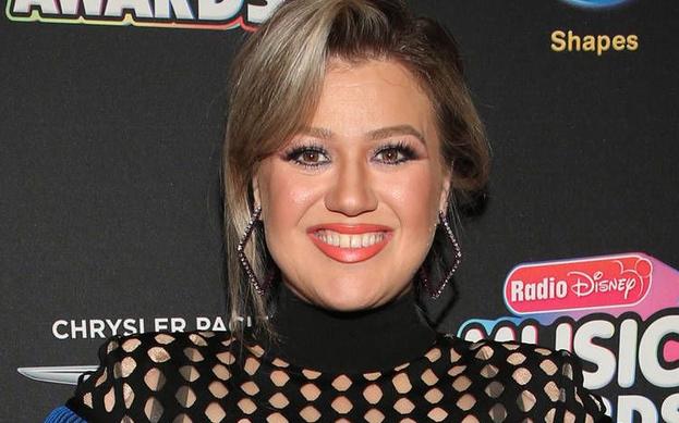 Kelly Clarkson, gündüz şovuna başlıyor.