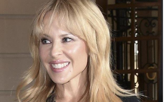 Kylie Minogue yeni bir şarkı paylaştı.