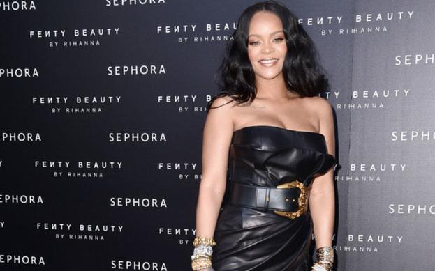 Rihanna, haftasonu Coachella festivalindeydi.
