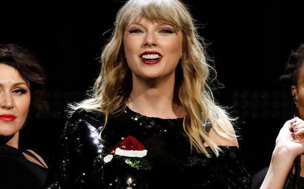 Taylor Swift'in  mahkemeye taşınan şarkısı Shake It Off'un davası düştü.