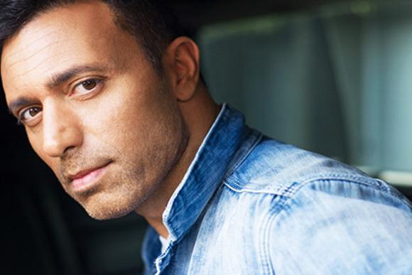 Mustafa Sandal'ın Yeni Şarkısı 'Dön Dünya' Müzikseverlerle Buluştu!